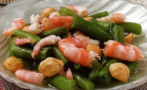 Салат из кресеток с фасолью