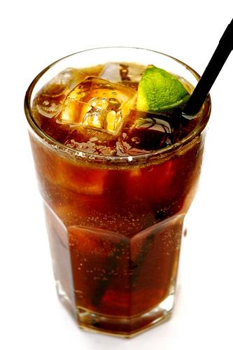 Причем, коктейль получается довольно просто и на вкус - непередоваемо.