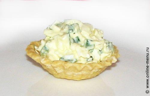тарталетки с салатом из плавленных сырков