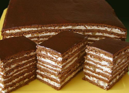 торт с медом шоколадом и орехами