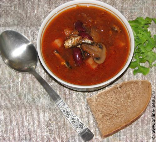 борщ с килькой, грибами и фасолью