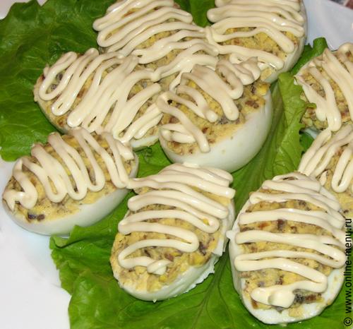 яйца фаршированные сухими белыми грибами