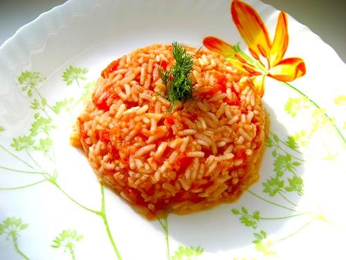 гарнир из риса с помидорами