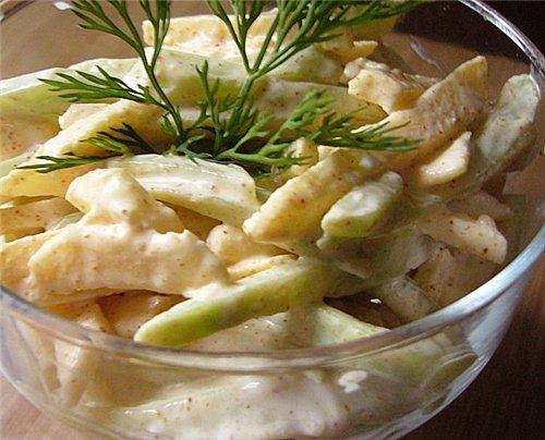 салат из огурцов и яблок