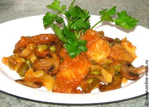 рыба тушеная с овощами и грибами