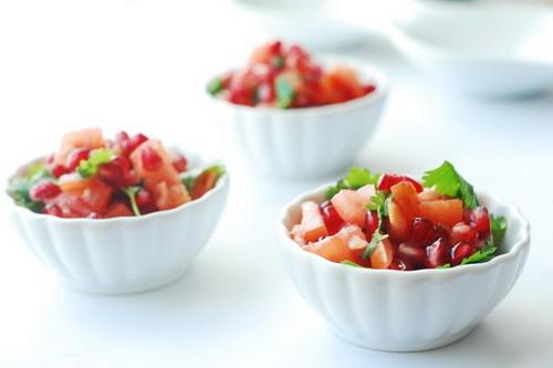 Салат с помидорами и гранатом